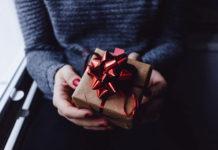 Kiedy warto podarować bliskiej osobie monetę na prezent?